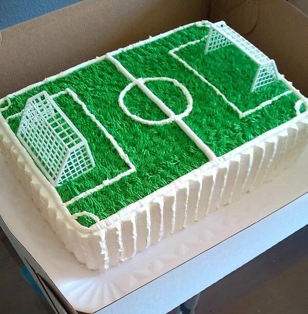 Bolo gramado para festa infantil tema futebol