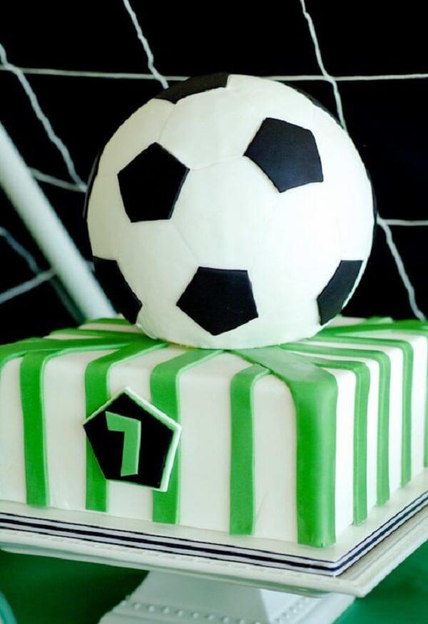 Bolo personalizado para festa tema futebol