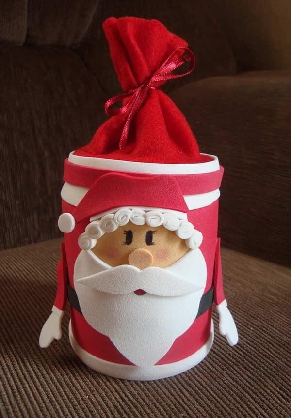Caixinha de Papai Noel encanta os convidados como lembrancinhas de natal em eva