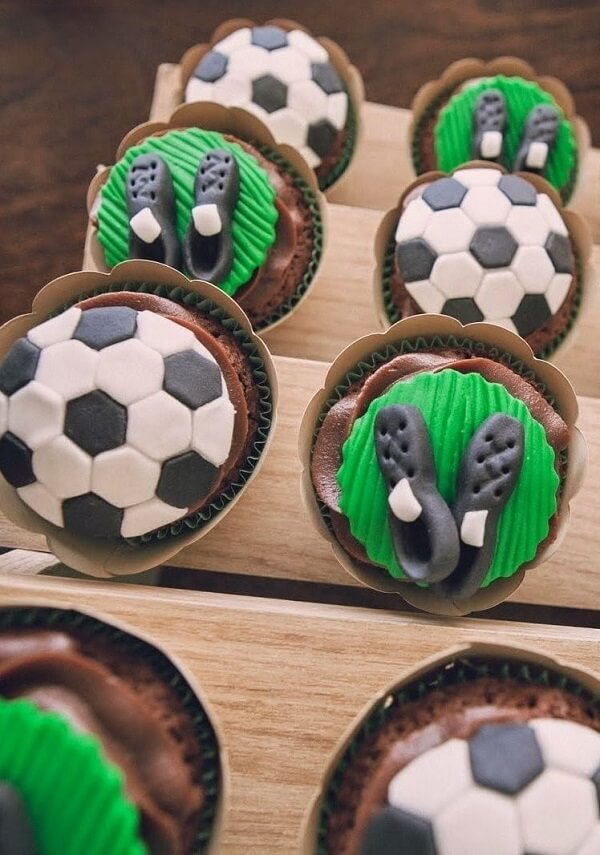 Cupcakes for party decoration simple soccer theme