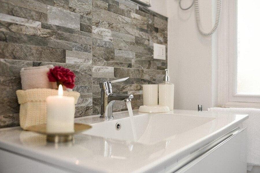 Decoração de banheiro com velas Foto Pixabay