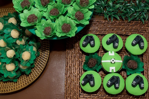 Delicate sweets for children's party decoration football theme