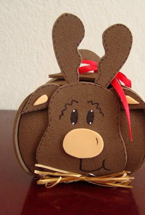 Embalagem para lembrancinha de rena feita em EVA