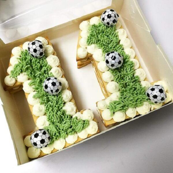 Festa tema futebol ideias de bolo na caixa