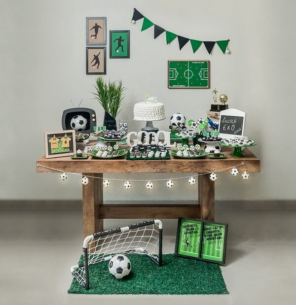 Simple decoration model for football theme party