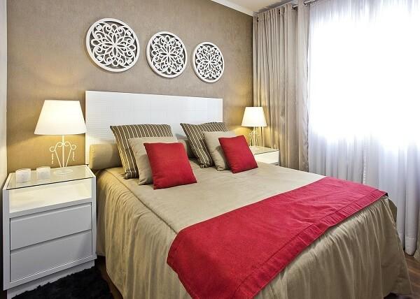 No Feng Shui quarto posição dos móveis a cama pode influenciar na troca de energias