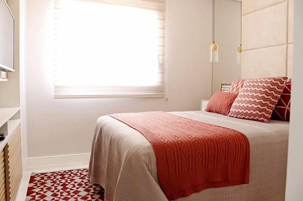 No Feng shui quarto solteiro e casal procure investir em itens decorativos que trazem conforto