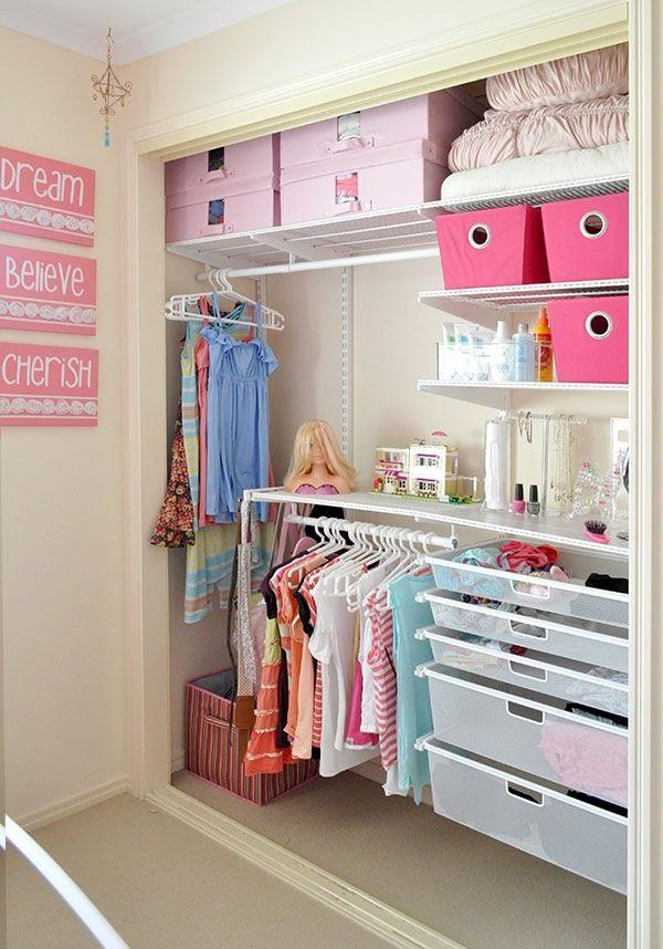 O closet no quarto infantil certamente irá ajudar no desenvolvimento da criança