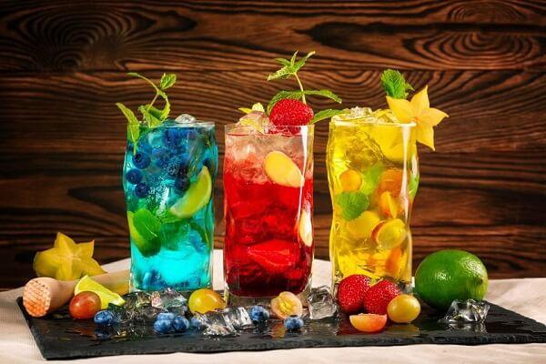 Os long drinks fazem muito sucesso pelas suas cores e sabores