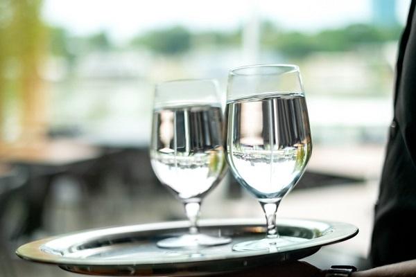 Os tipos de taças para água são muito similares com as taças de vinho