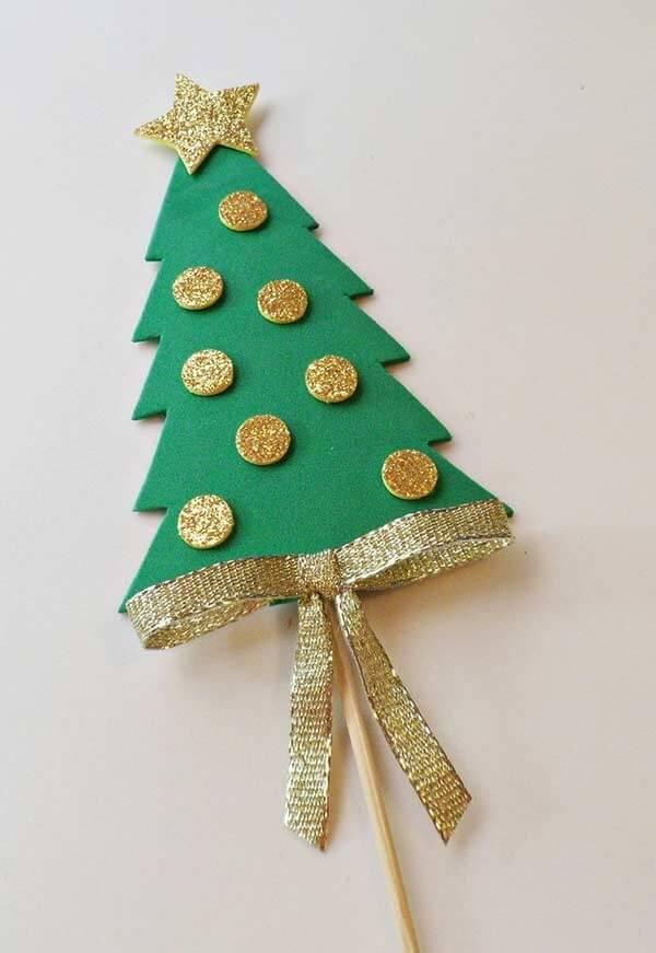 Palitos criativos como lembrancinhas de natal em EVA