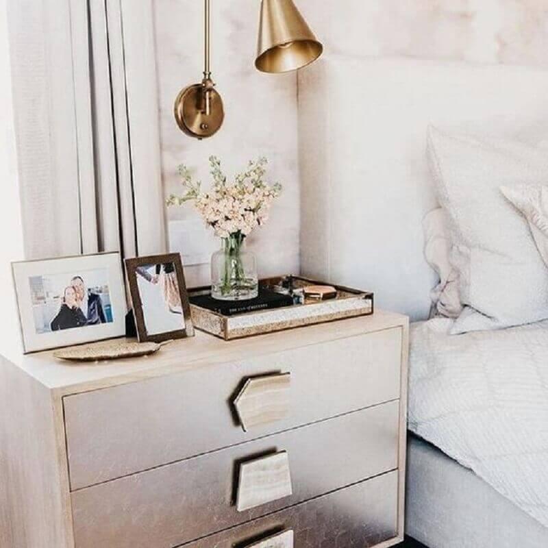 abajur de parede cobre para decoração de quarto de casal branco Foto Pinterest
