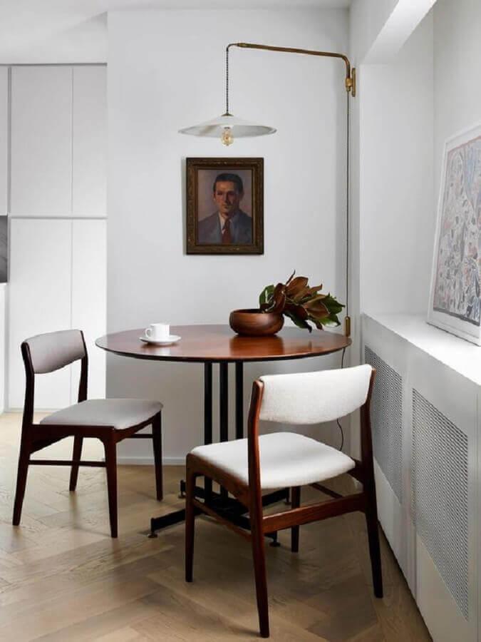 abajur de parede para decoração de sala de jantar pequena Foto Apartment Therapy