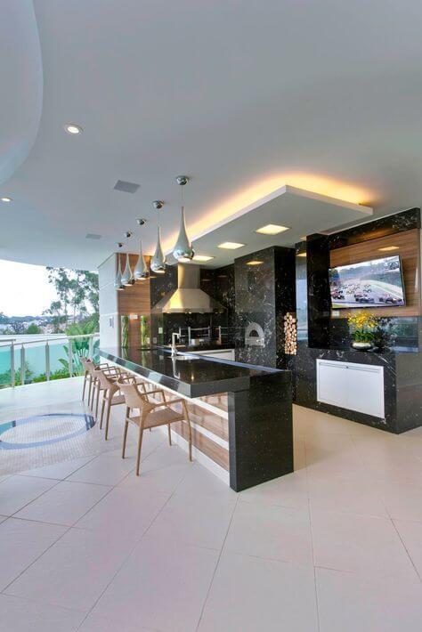 Área gourmet com piscina na casa grande