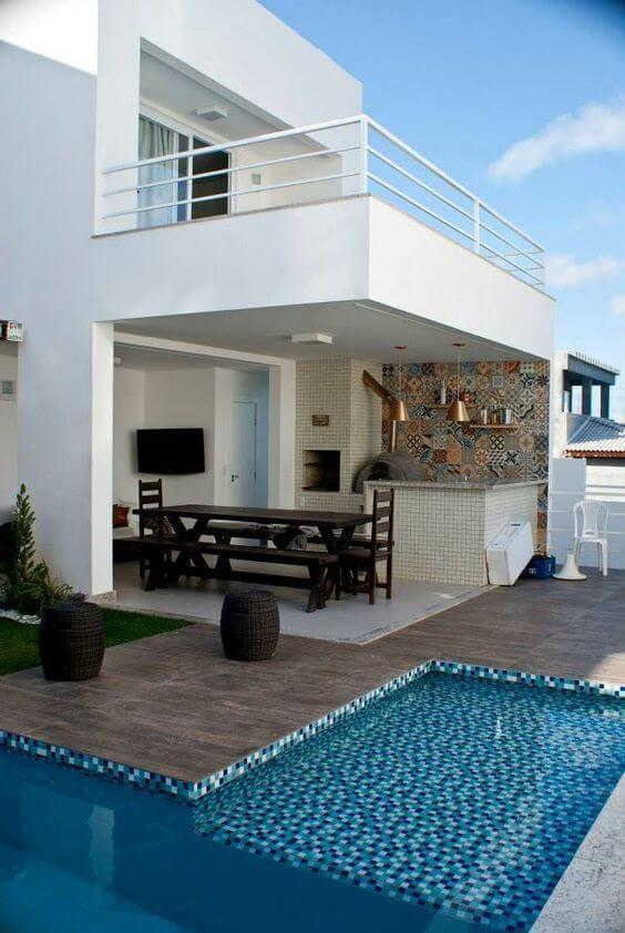 Área gourmet com piscina simples