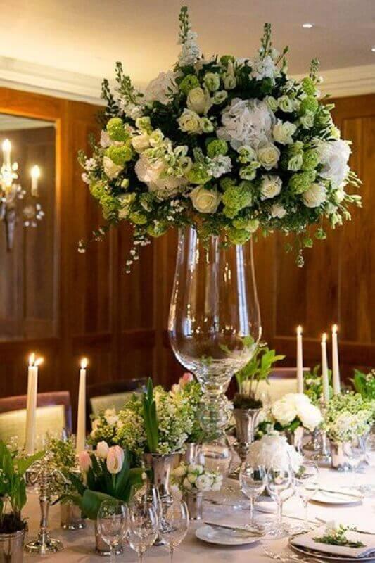 arranjo de flores grandes para decoração de festa bodas de cristal Foto Pinterest