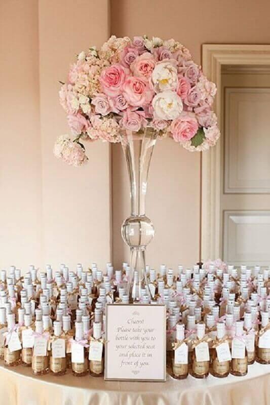 arranjo de rosas para decoração bodas de cristal Foto Casar é um Barato