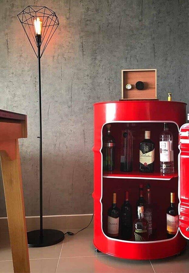 barzinho feito com tambor de decoração vermelho Foto LIV Decora