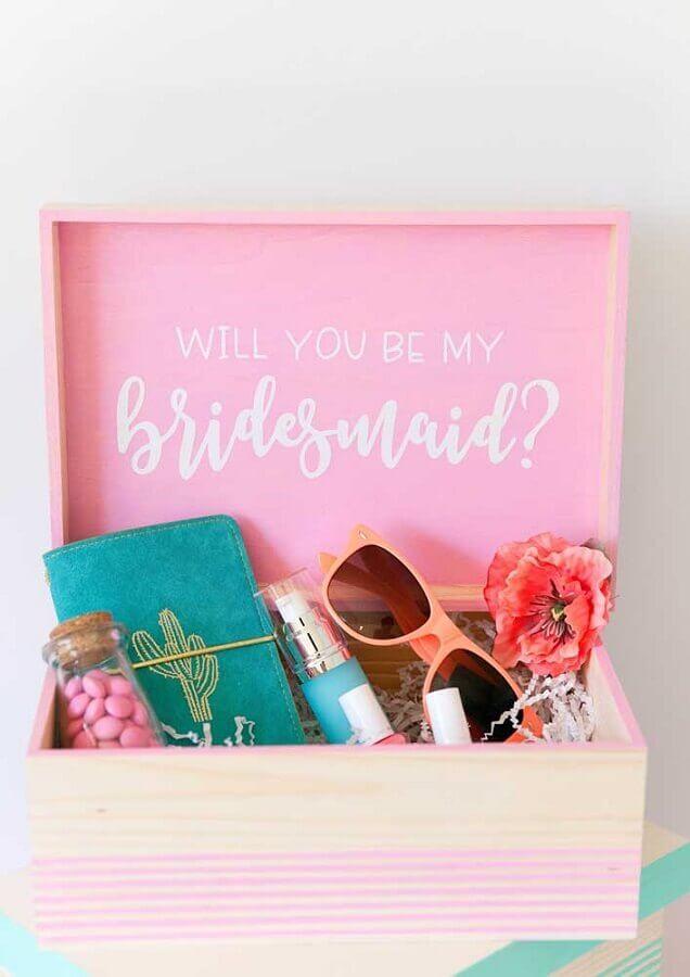 caixa surpresa para amiga dama de honra Foto Pinterest