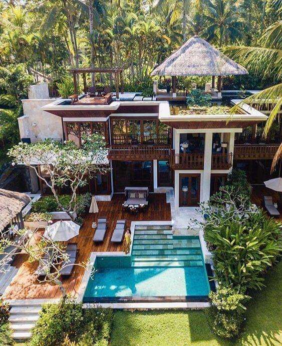 Casa grande com piscina e área gourmet
