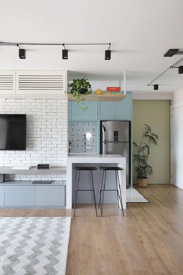 casa moderna decorada com móveis em tons de azul pastel Foto Habitare