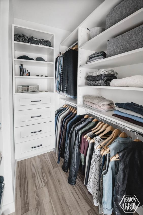 Closet pequeno em L super prático