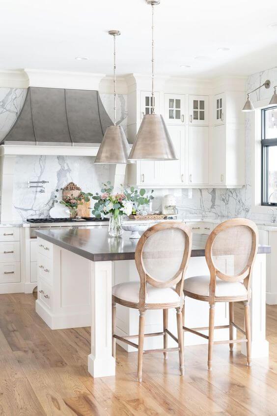 Mansão com cozinha de luxo