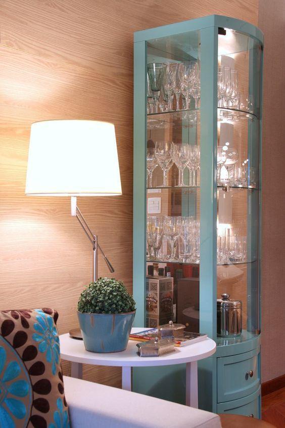 Cristaleira retrô de vidro azul