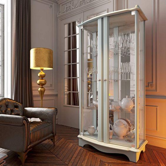 Cristaleira branca com porta de vidro