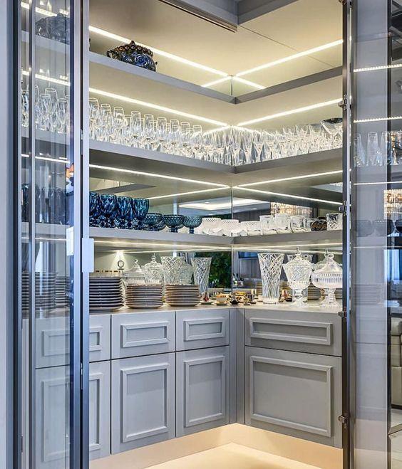 Cristaleira de vidro luxuosa