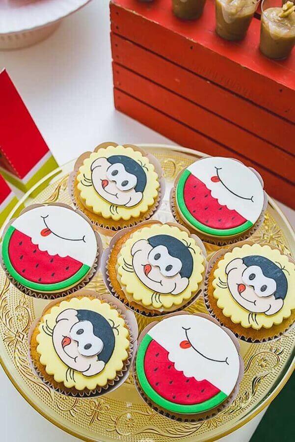 cupcakes personalizados com pasta americana para festa da magali Foto Pinterest