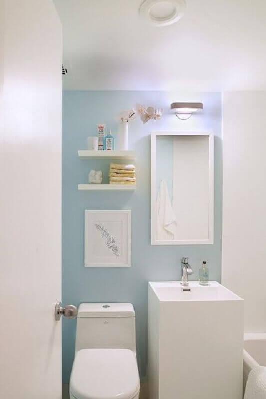 decoração azul pastel e branco para banheiro Foto Achados de Decoração