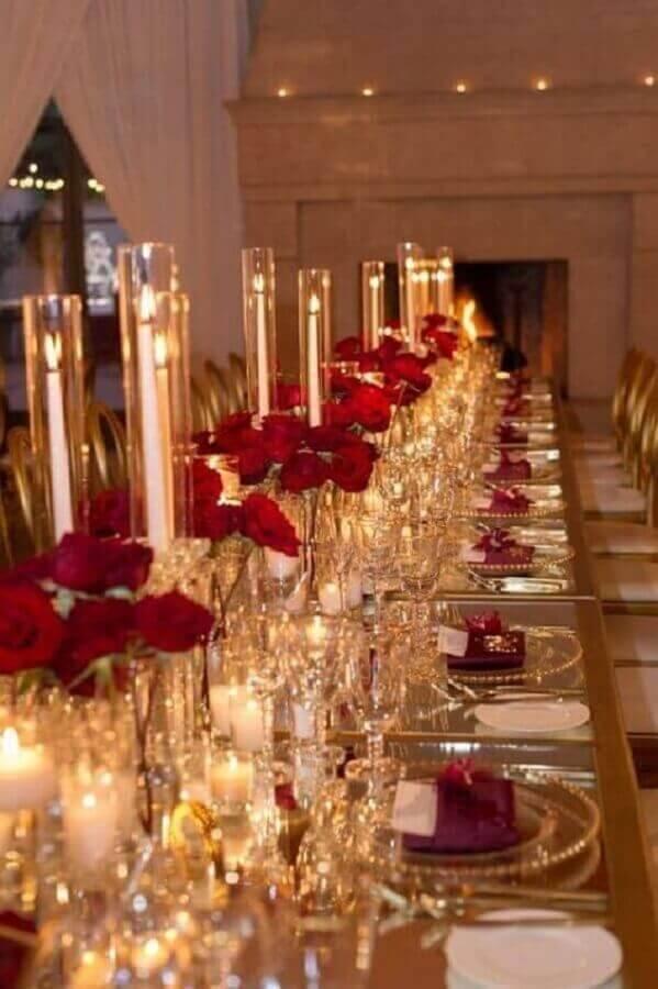 decoração bodas de cristal sofisticada com velas e flores vermelhas Foto Pinterest