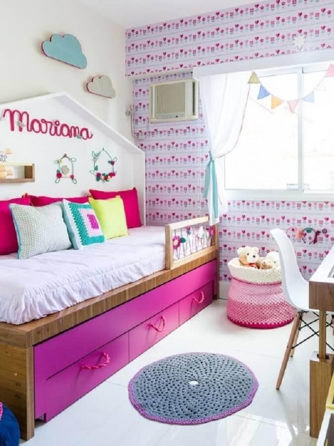 decoração colorida com almofadas para quarto infantil Foto NaToca Design