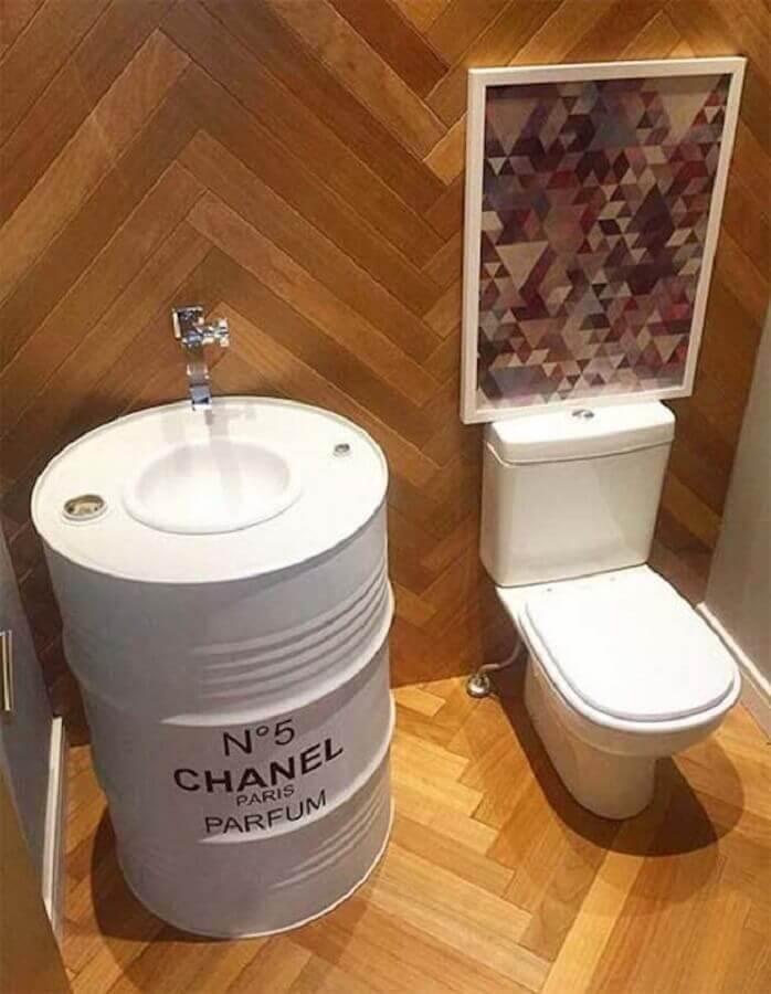 decoração com tambor branco para banheiro pequeno Foto Pinterest