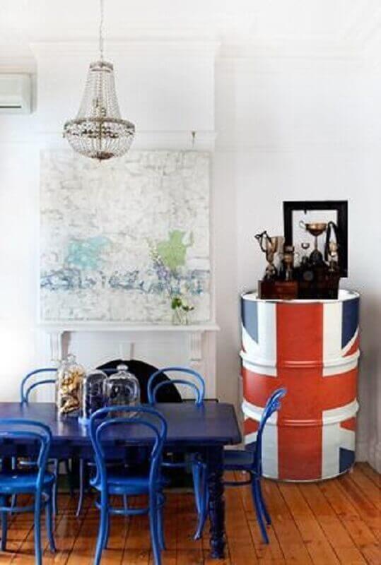 decoração com tambor com pintura de bandeira do reino unido Foto Dcore Você