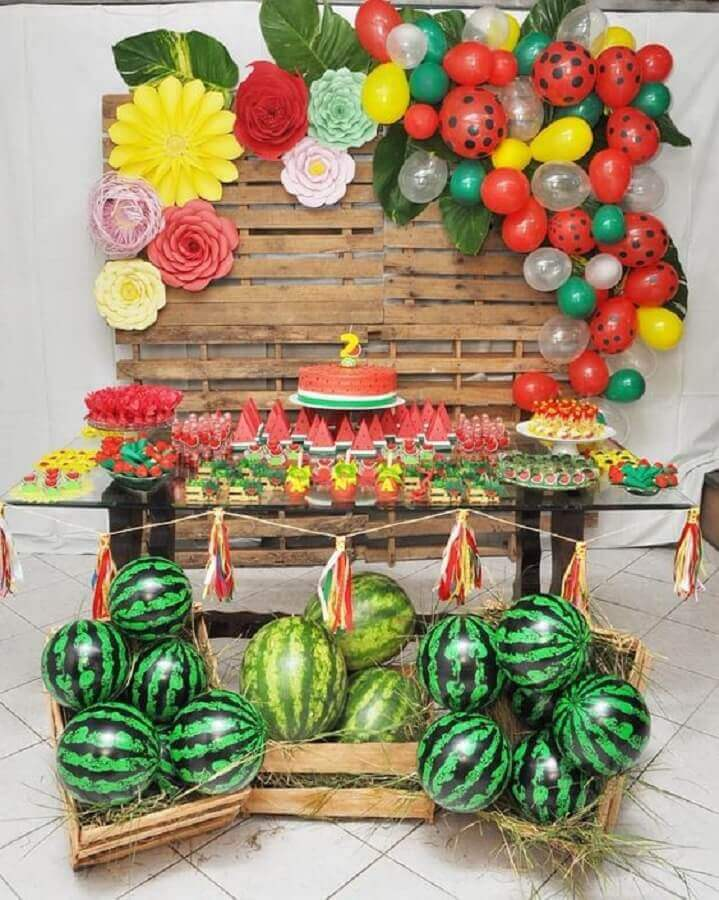 simple and rustic magali party decoration Foto Pinterest