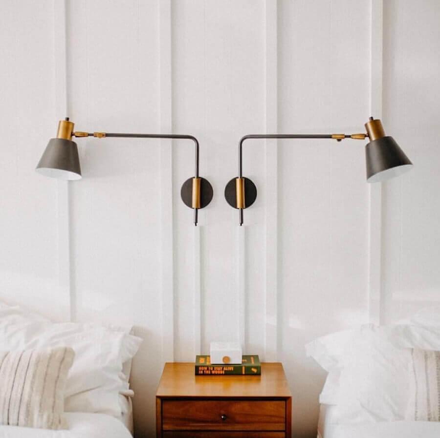 decoração de quarto compartilhado com abajur de parede cabeceira Foto Pinterest