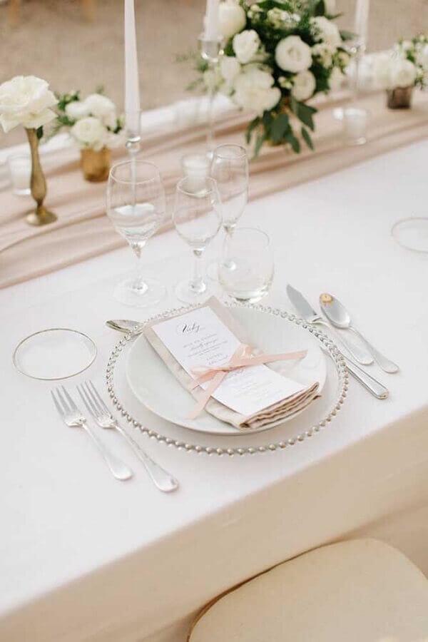 decoração para bodas de cristal com mesa posta super delicada Foto We Heart It