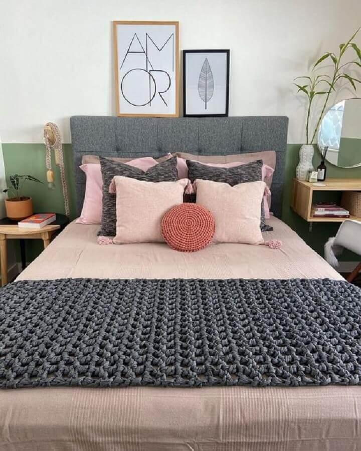 decoração simples com almofadas para camas de casal Foto Pinterest
