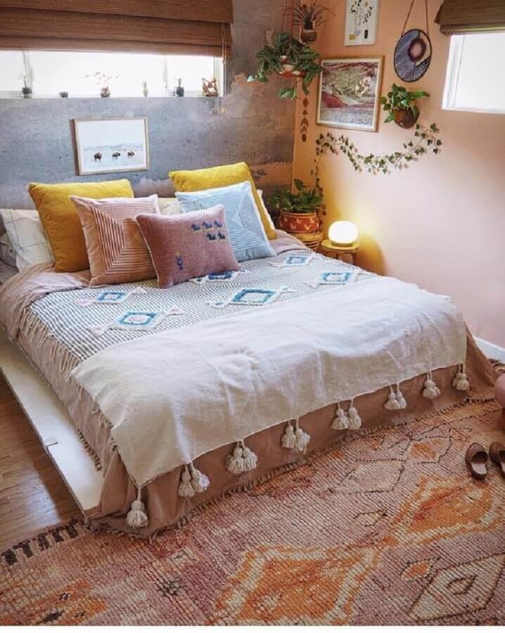 decoração simples com almofadas para quarto feminino boho Foto Sigrid & Co.