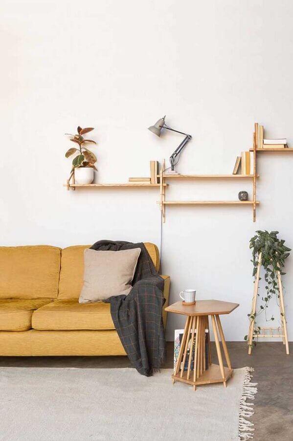 design diferente de mesa de canto pequena de madeira Foto Archizine