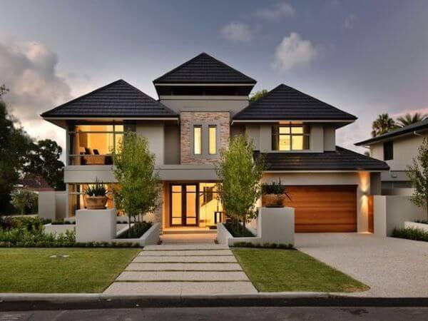 Fachada de casa mansão