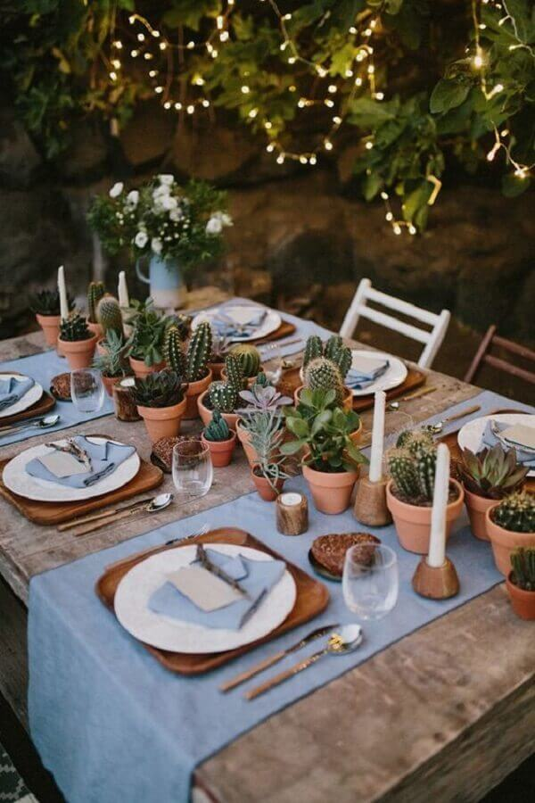festa bodas de cristal rústica decorada com pequenos vasos de cactos Foto Pinterest