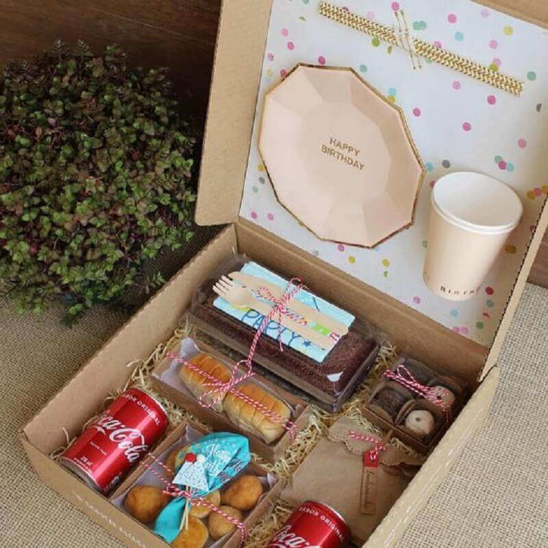 ideia de surpresa na caixa para amiga Foto Box to You