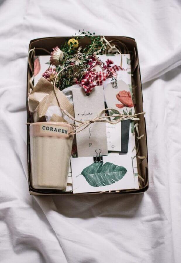 ideia para caixa surpresa simples Foto Pinterest