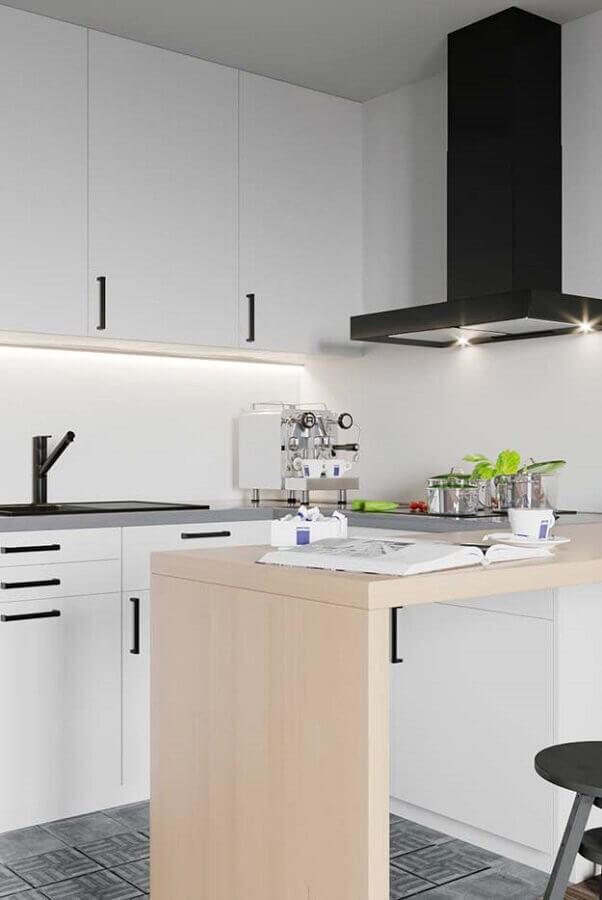 ideias de bancada de madeira para cozinha pequena com armários brancos Foto Pinterest