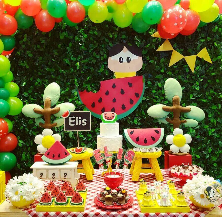 beautiful magali children's party decoration with foliage panel Foto Taci Decor