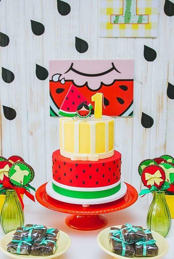 lindo bolo decorado para mesa de festa da magali Foto Festas Biz!