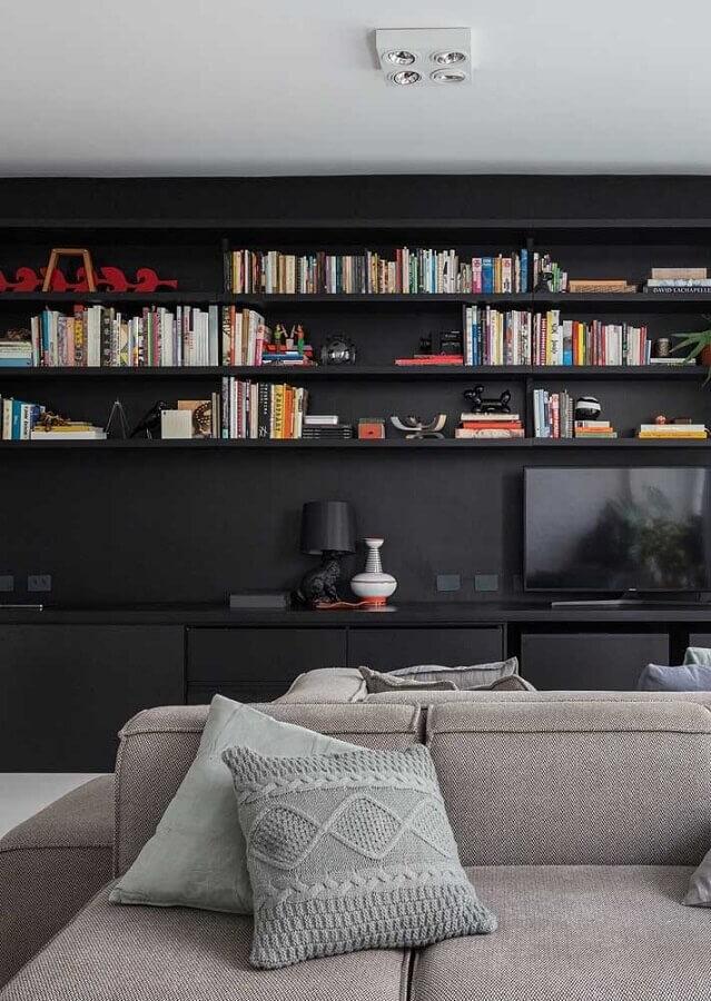 móveis planejados para decoração de sala preta com sofá cinza Foto Homedit